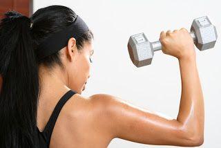 Ασκήσεις με βαράκια για ώμους και πλάτη