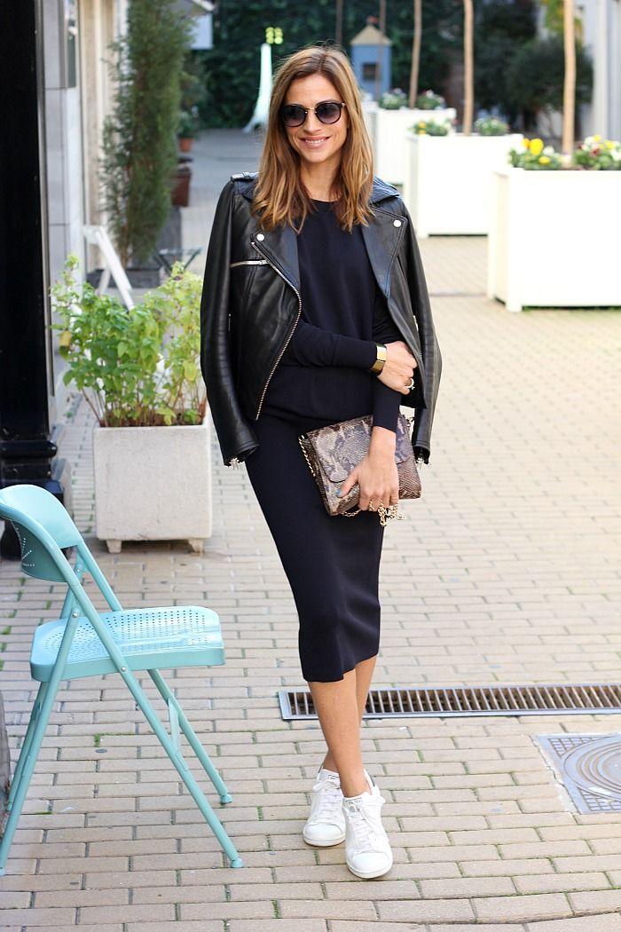 Zapatillas: Paredes ( aquí clic  ), gafas: The fab glasses click , vestido: Zara old, biker de piel: Pull&bear, bolso:...