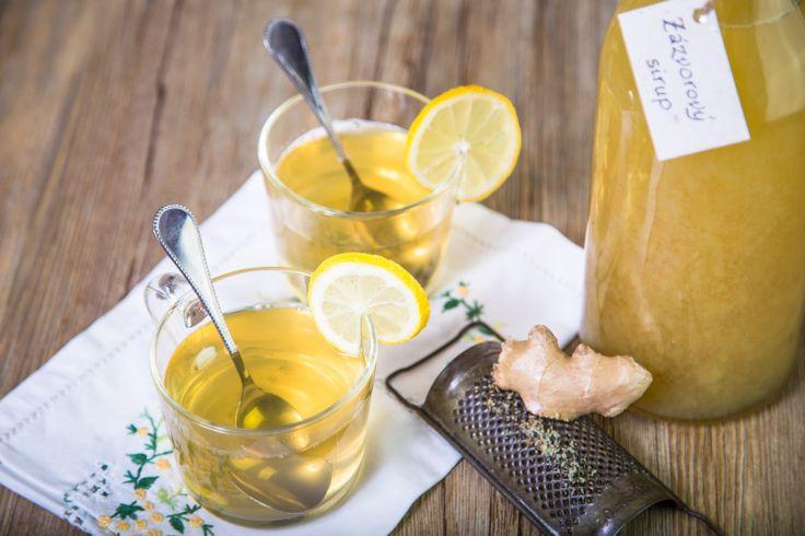 Štiplavá chuť čerstvého zázvoru vynikne skvěle v limonádě i v horkém čaji. V obou případech vám zázvorový sirup vytvoří ze sklenky s nápojem nápoj léčivý.