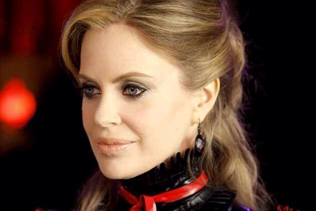 Adorava as makes da Pam, de True Blood!