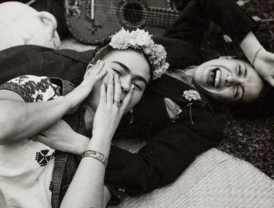 Na década de 1930, no México, a Casa Azul de Frida Kahlo tornou-se a sede de artistas e revolucionários. Localizado no bairro de Coyoacán, na periferia da Cidade do México, a Casa Azul era um lugar de...