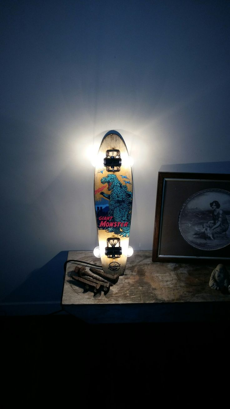 Mini skateboard lamp