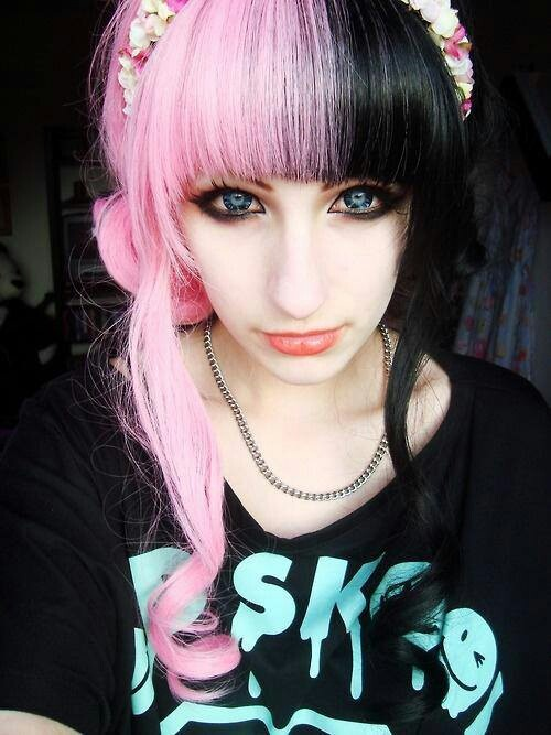 Half Pink Half Black. :3 | Beautiful Colorful Hair ...
