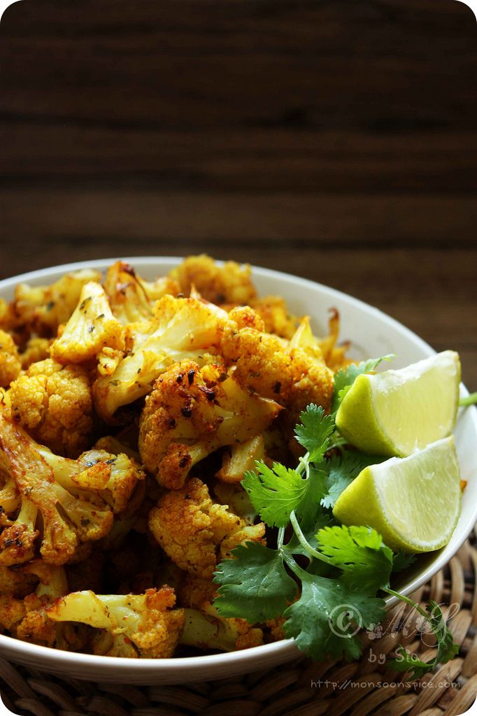 Spicy cauliflower baked in the oven - a yummy indian recipe!!