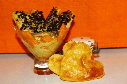 TRIFLE AUX MANGUES Pour une petite soirée en amoureux, voici un dessert fruité, coloré et bien vitaminé, plein de soleil et d'amour pour un tête à tête exotique!!! Ingrédients : Pour la pâte : - 120g de farine - 60g de beurre - 130ml de lait - 1 jaune...