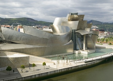 Guggenheim Museum, Bilbao: challenges assumptions about architecture