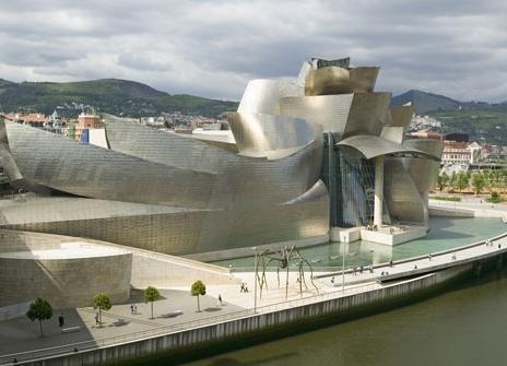 Guggenheim Museum, Bilbao: challenges assumptions about architecture