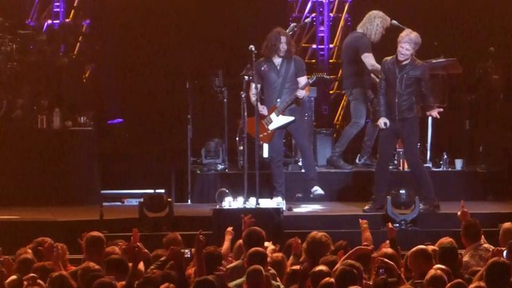 """Lay Your Hands on Me"" Bon Jovi@Wells Fargo Center Philadelphia 3/31/17"