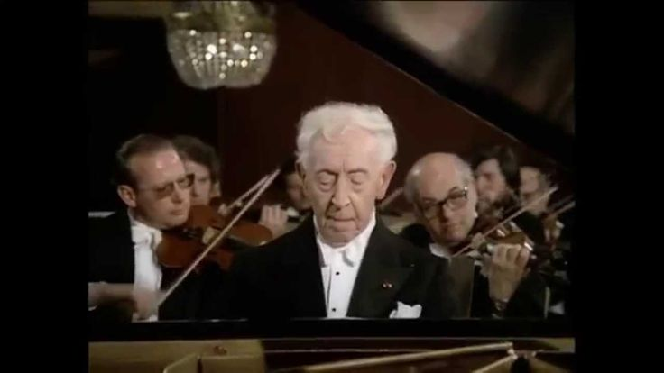 Arthur Rubinstein - Grieg - Piano Concerto in A minor, Op 16  Breathtakingly done.