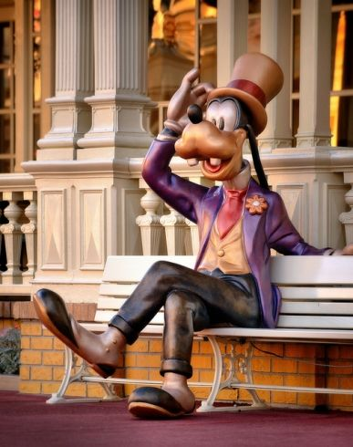 Goofy -The statue of Goofy sitting on a bench close to Tony's Town Square Restaurant will sometimes talk to you if you sit next to him.