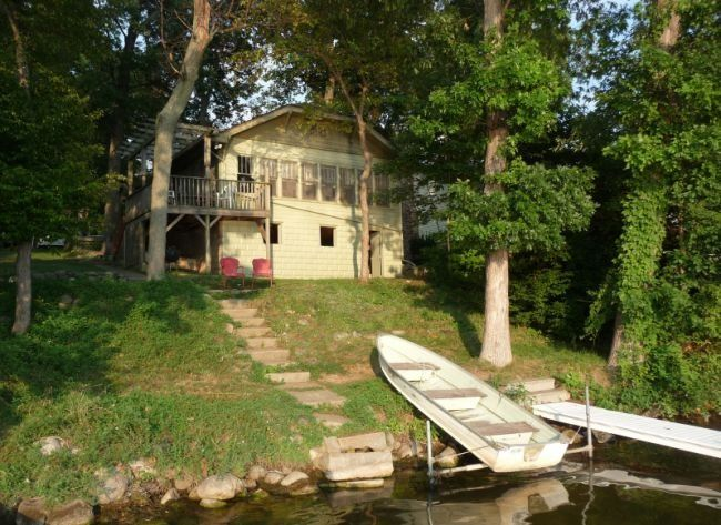 Visit LAKEHOUSEVACATIONS.com To Book This Home For Your Next Lake Vacation  To 8671 East