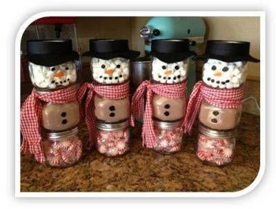 Homemade Christmas Gift Ideas: Stacked Jar Hot Chocolate Snowmen!