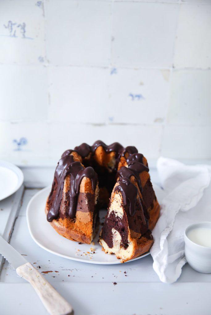Kuchen mit aufgetaute kirschen