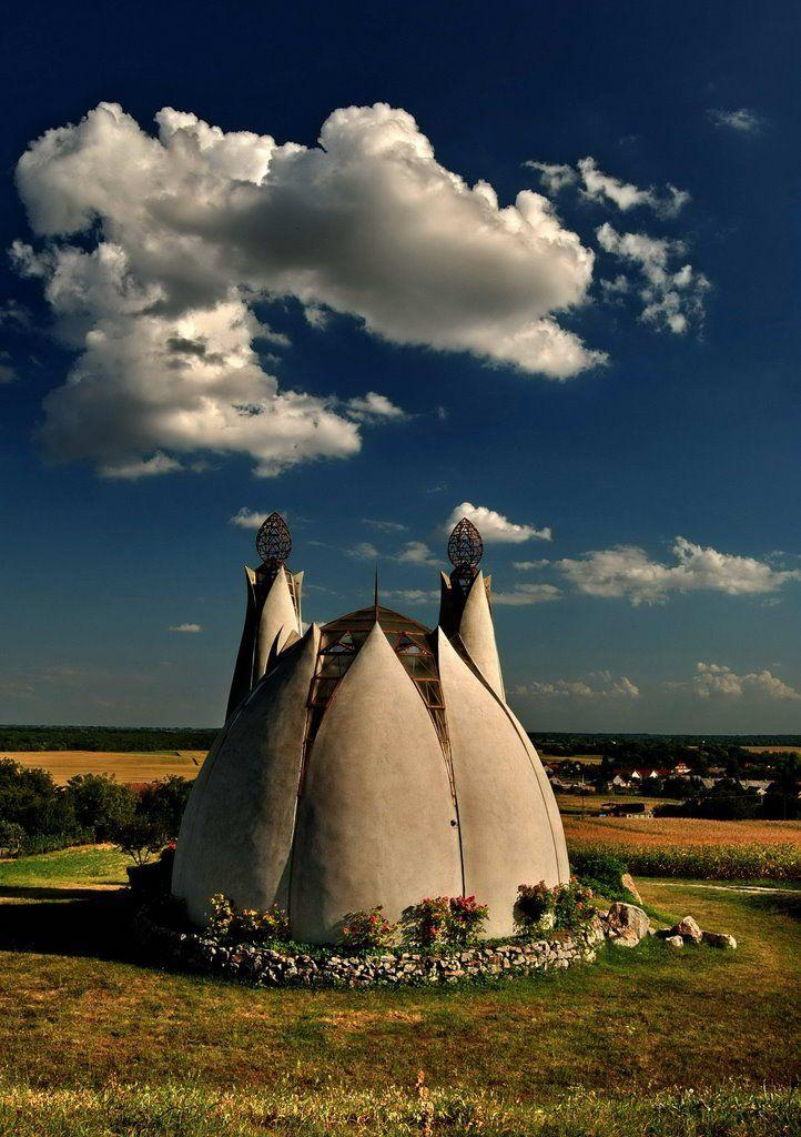 Az ország egyik legkülönlegesebb temploma – Megbékélés Kápolna, Beremend. Hungary