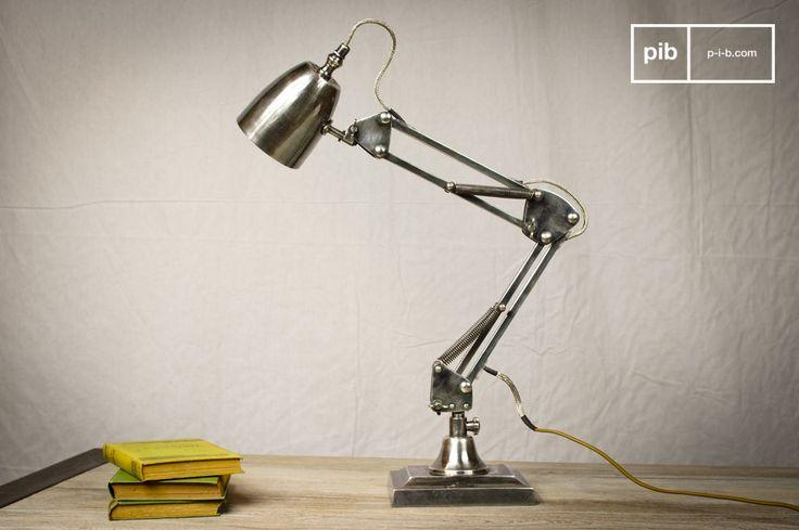 Una lámpara industrial vintage. Aparte de ser muy práctica, la lámpara de 1957 tiene un innegable aspecto retro y un acabado de alta calidad.