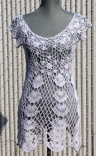 Awesome crochet dress and/or beach cover up      ♪ ♪ ... #inspiration #diy GB http://www.pinterest.com/gigibrazil/boards/