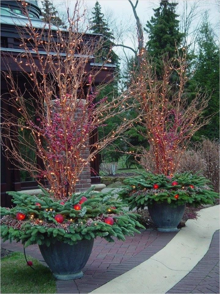 41 Amazing Ideas Outdoor Winter Decorations Homeandcraft Outdoor Christmas Planters Christmas Pots Christmas Urns