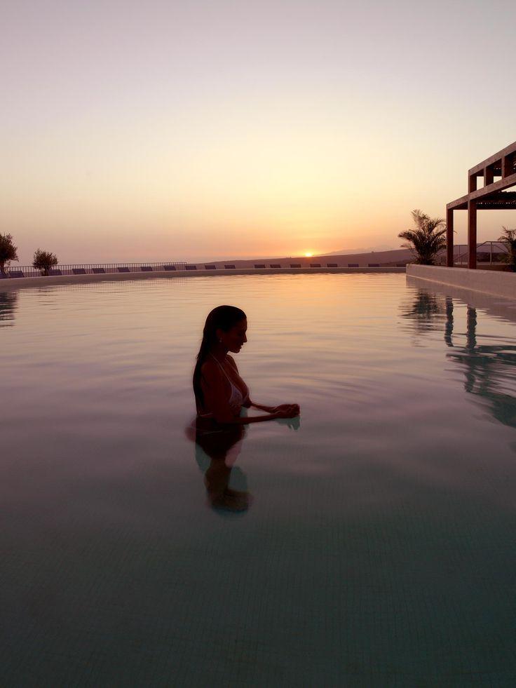 ESP: Piscina Sunset / EN: Sunset Pool. Sheraton Salobre Golf, Resort & Spa (Gran Canaria).