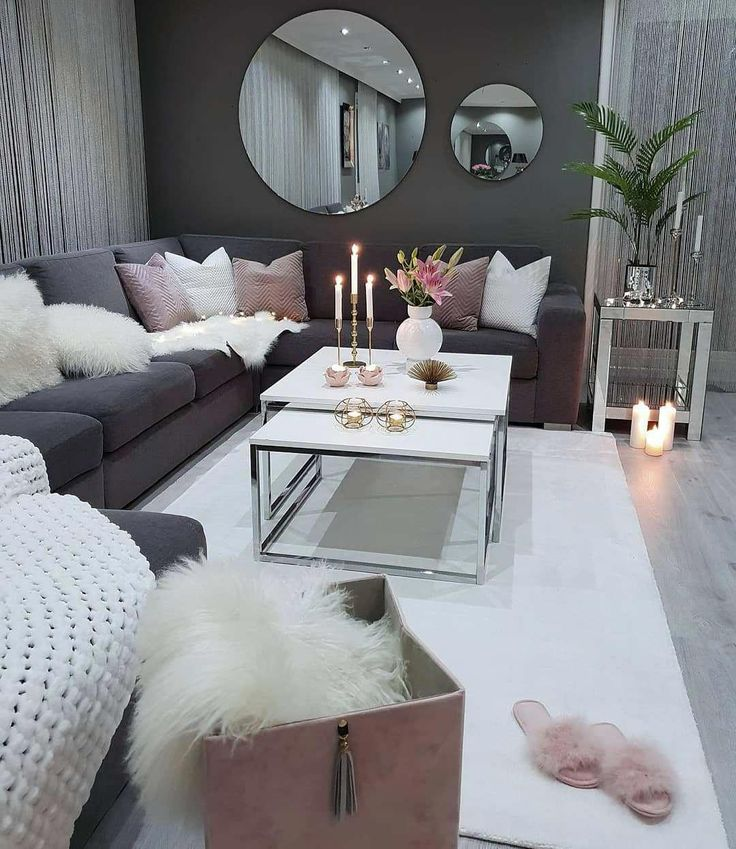 we love this dark grey and dusty pink cozy living room