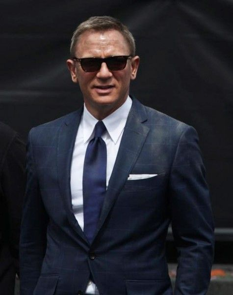 The best outfit of James Bond in Spectre is presented for sale at the website of Celebsclothing.com