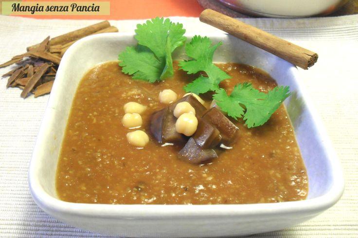 La zuppa araba di ceci e melanzane è profumatissima, gustosa e veramente leggera, ideale per la dieta