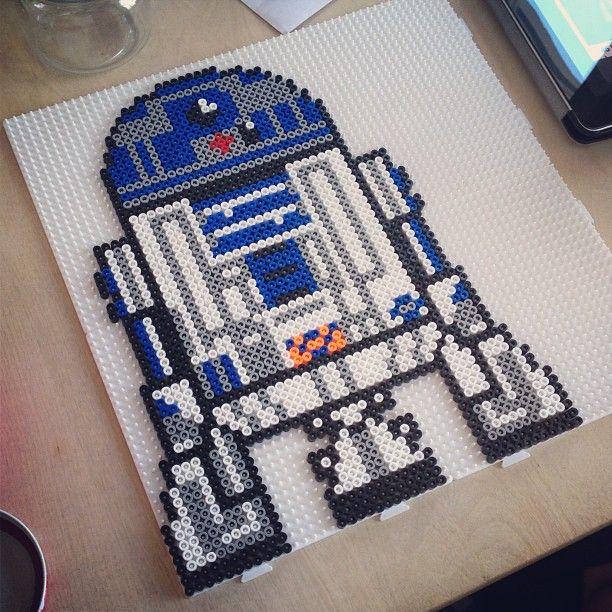Star Wars R2D2 hama perler beads by annasthlm