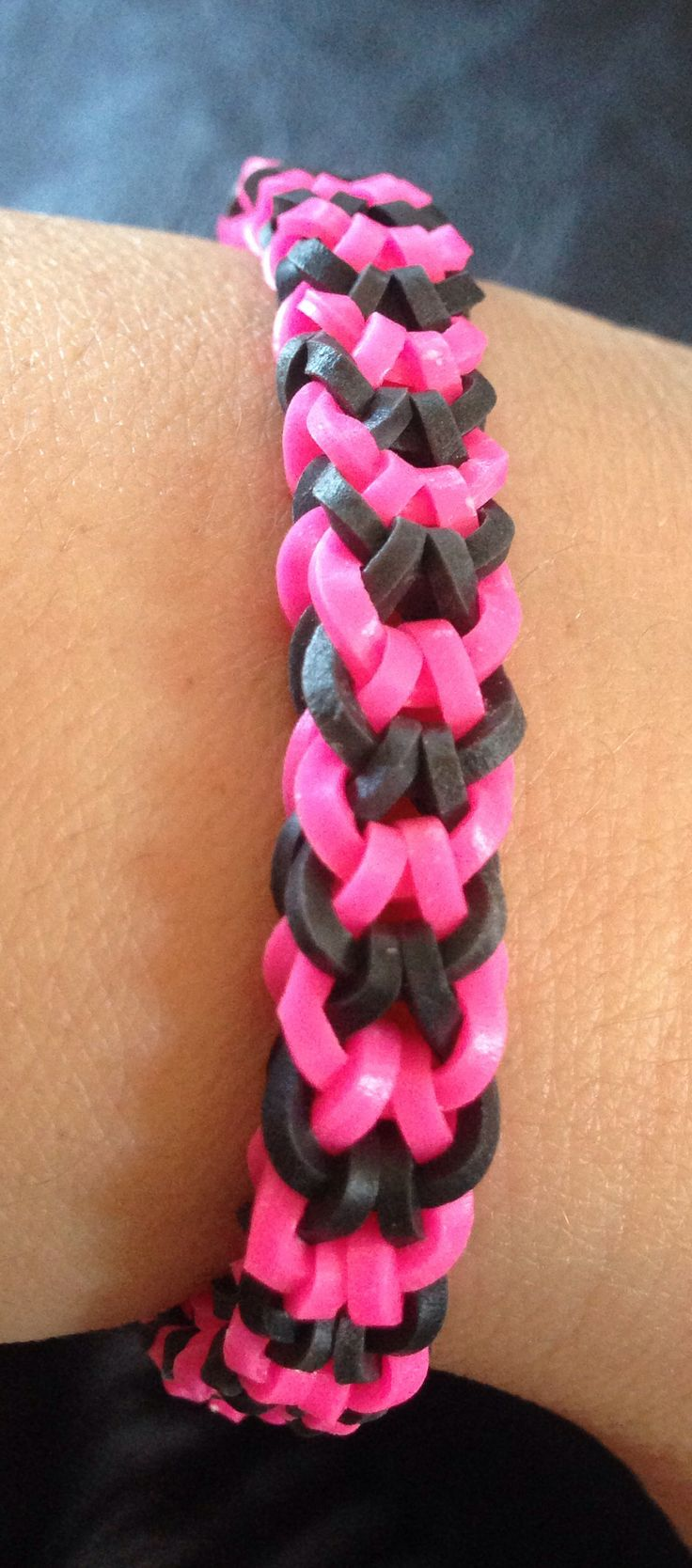 Inverted Fishtail Using Monster Tail · Crazy Loomrainbow Loom
