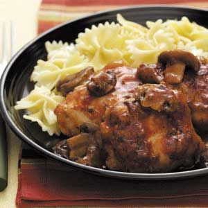 Chicken Merlot with Mushrooms Slow Cooker Recipe from Taste of Home