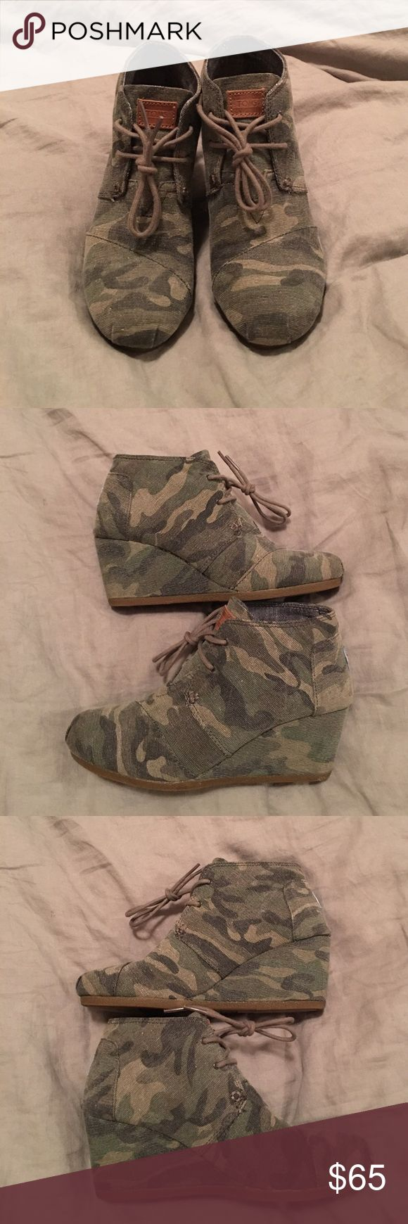 FREE GIFT!!! TOMS Camo wedge CHOICE OF FREE PAIR OF EARRINGS WITH PURCHASE OF 2 OR MORE!!!! Hard to find TOMS camp Desert Wedge. They are in excellent condition and have only been worn a handful of times!!! TOMS Shoes Wedges