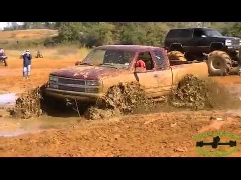 Mud Trucks Extreme Bogging in Wild Mud Bog 2015 MudFest