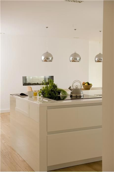An inspirational image from Farrow and Ball: Kitchen in Wimborne White. Kitchen with walls in Wimborne White Modern Emulsion and ceiling in All White Estate Emulsion. Styles:   Contemporary   All White - 2005 Wimborne White - 239
