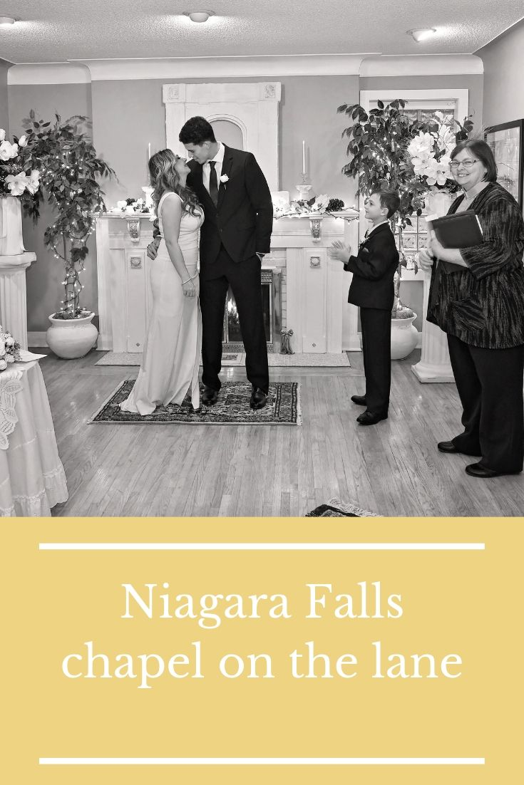 Niagara Falls Chapel On The Lane Right In The Heart Of Niagara Falls Ontario 1800 393 7270 Chapel Niagarafalls Elope El Niagara Falls Wedding Fall Wedding