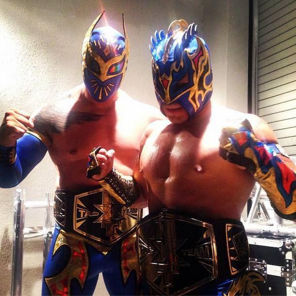 Lucha Dragons (Kalisto & Sin Cara) como nuevos Campeones en Pareja de NXT // instagram.com/wwe