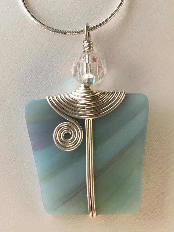 Aqua blu striato macchiato pendente avvolto in filo argento, vintage perla di cristallo di Swarovski, One-Of-A-Kind pendente