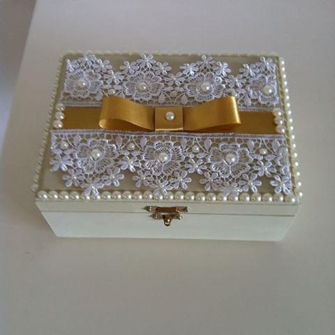 Caixa bijuteria para presentear madrinhas de casamento .