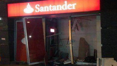 Graves daños dejó robo frustrado de cajero automático en un banco de Providencia - Cooperativa.cl