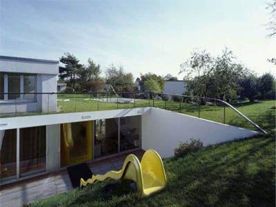 https://i.pinimg.com/736x/0a/a0/09/0aa0092ba162232ac534673746d3e968--unusual-houses-modern-houses.jpg