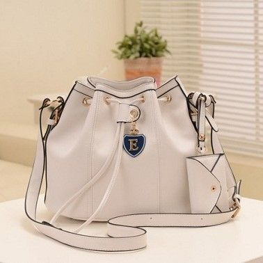 "@cs.ordersis's photo: ""Handbag : C123 WHITE ""Material:  PU leather Height:  22 cm Length:  33 cm Depth:  15 cm Bag Mouth:  Magnet  Weight:  400g"" Rp170,000  #handbag #bag #tas #ordersis"""