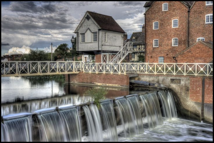 I took this in Tewkesbury, UK. First try at HDR picture.