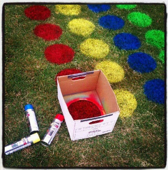 Summer Staycation: Yard Twister *This looks SO fun!* #staycation #familyfun