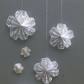 Oltre 1000 idee su decorazioni di carta su pinterest - Decorazioni stelle di natale ...
