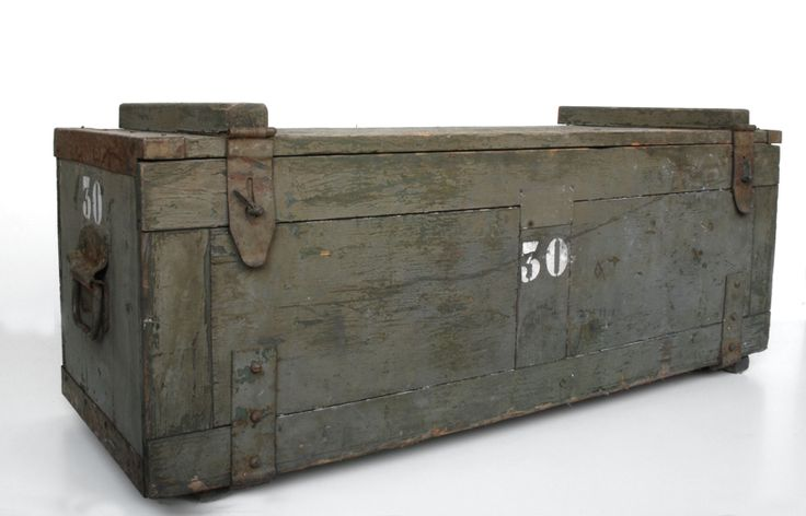 cassa militare vintage in legno. h.cm.43x106x39.