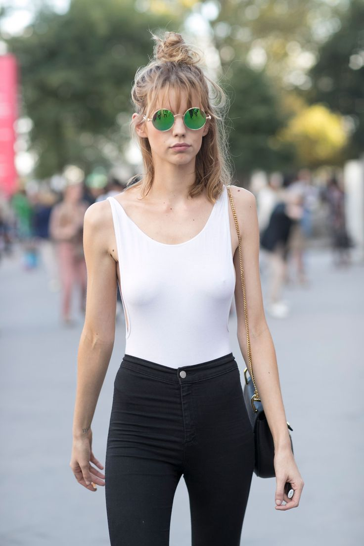 THE BEST OF THE IMPRESSION'S PARIS FASHION WEEK MODELS OFF-DUTY STREET STYLE SPRING 2017 Off-Duty | Paris Models Street Style Spring 2017 Day 3 2016-10-18T17:22:23+00:00 2016-10-18T17:22:23+00:00 Kenneth Richard