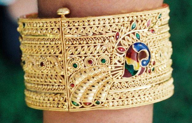 Gold Bangle bracelet with Peacock design #Gold, #Bangle bracelet, #Peacock design, #peacock, #jewelry, #bangle, #bracelet