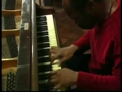 """La Gloria eres tu""-Luis Lugo piano Cuba -Boleros - Recital Azul"