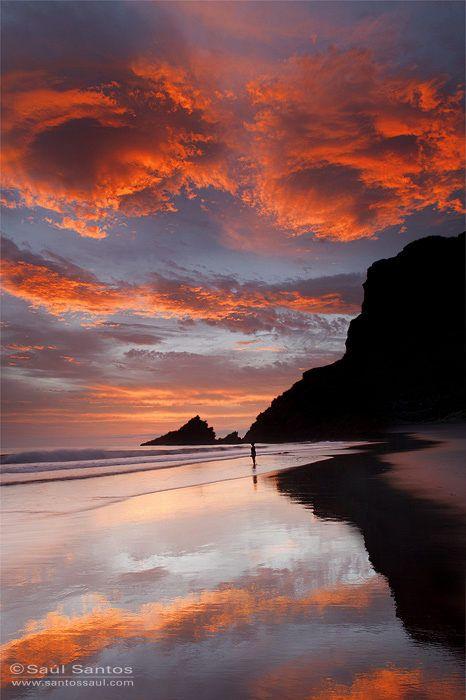 Playa de Nogales al amanecer, Isla de La Palma. Islas Canarias by Saul Santos Diaz