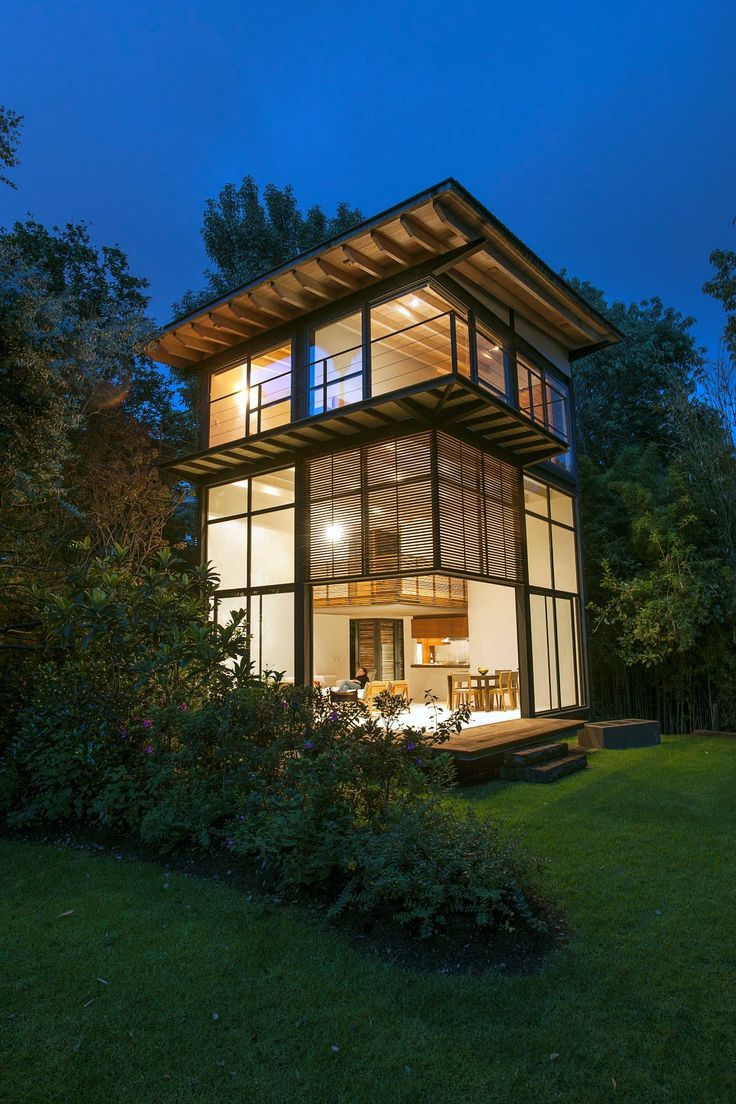 Built by Alejandro Sánchez García Arquitectos in Valle de Bravo, Mexico with date 2009. Images by Jaime Navarro Soto. These four houses are built inside a private garden in downtown Valle de Bravo.   The vertical design was used to sal...
