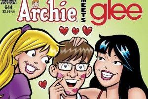 Los personajes de GLEE aparecerán en cuatro tomos de ARCHIE COMICS. De este modo, los personajes de la serie convivirán junto a Archie, Betty, Verónica y Torombolo de los números 641 al 644 de la historieta...