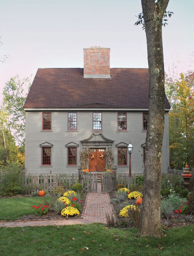Country Interiors Old House Journal Magazine Colonial House Exteriors Saltbox Houses House Styles