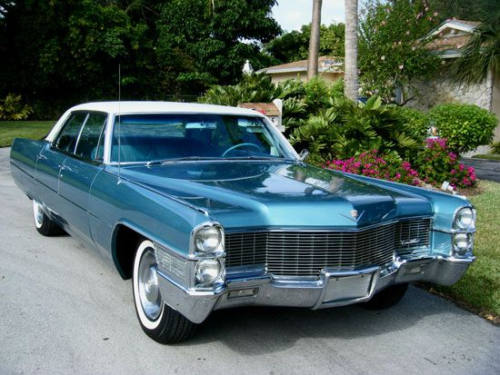 cars from the past car of the week 1965 cadillac sedan. Black Bedroom Furniture Sets. Home Design Ideas